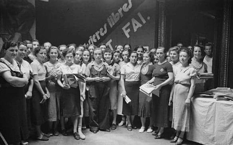 Eine Versammlung der mujeres libres, der anarchafeministischen Organisation im revolutionären Spanien.